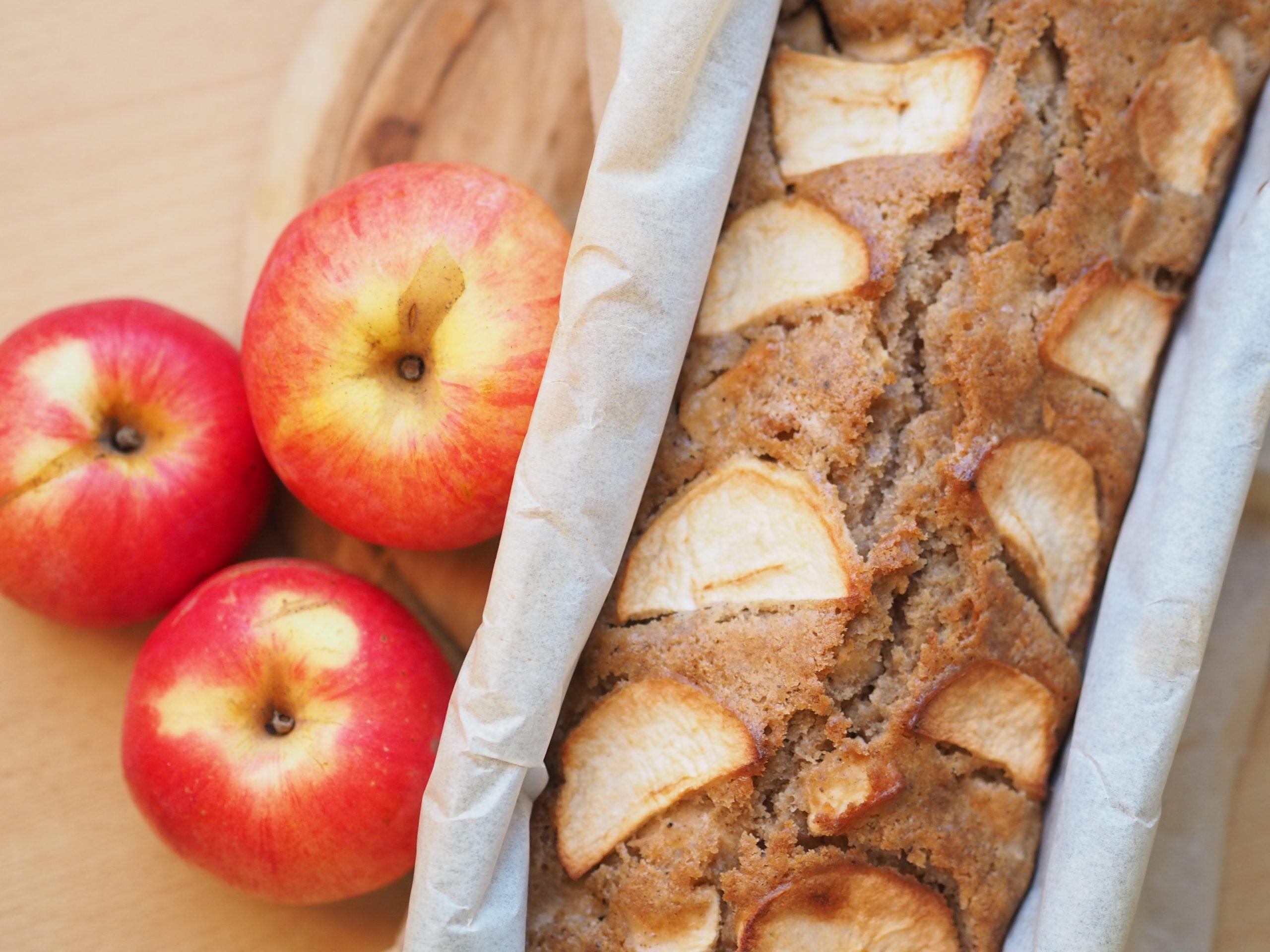 Vláčná jablečná buchta
